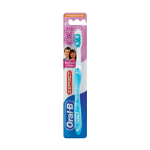 Oral B Power Delicate White 40 Medium Tooth Brush